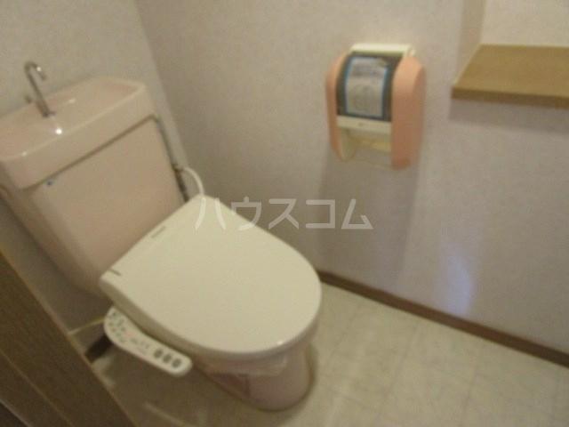 パインクレスト1 405号室のトイレ