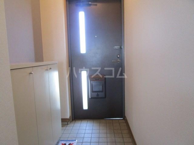 パインクレスト1 405号室の玄関