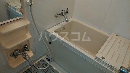 プリミエール烏山 303号室の風呂