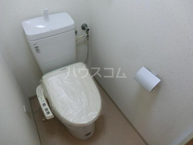 プリミエール烏山 303号室のトイレ