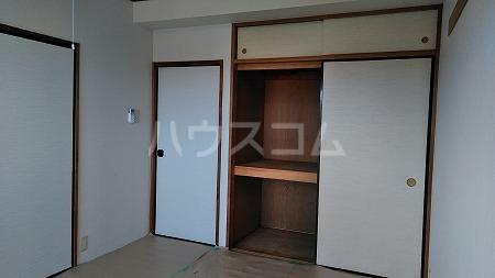 プリミエール烏山 303号室の収納