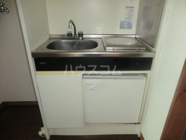 グリーンコーポ日吉 102号室のキッチン