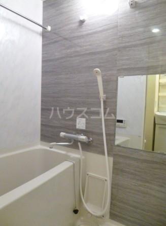 スカイコート池袋西壱番館 701号室の風呂