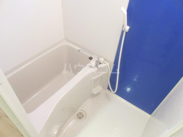 デラッセ 106号室の風呂