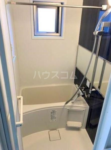 メゾン・アルデバラン 302号室の風呂