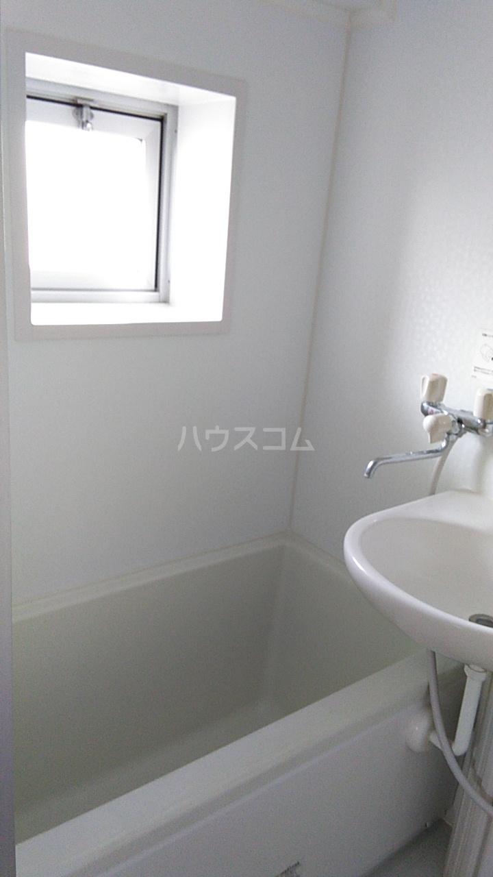 オンダマンション 303号室の風呂