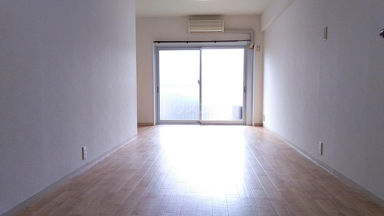 オンダマンション 303号室のリビング