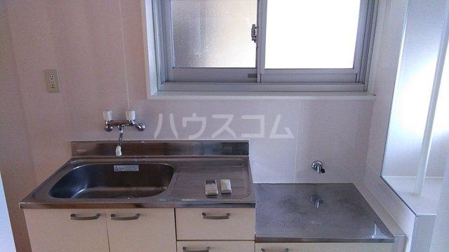 オンダマンション 303号室のキッチン