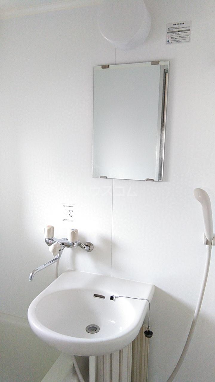 オンダマンション 303号室の洗面所