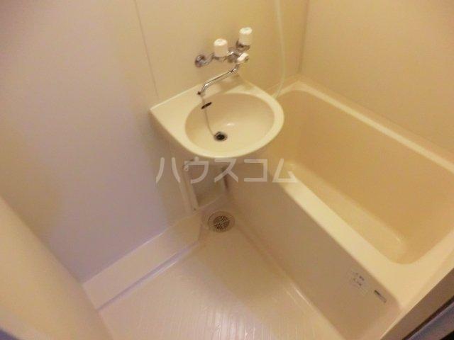 poko'sハウス 203号室の洗面所