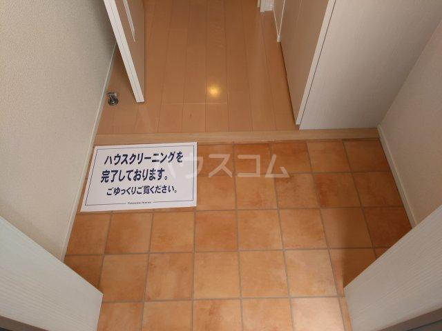 グラース 101号室の玄関