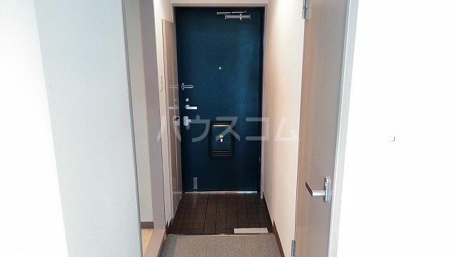 菱和パレス小竹向原 503号室の玄関