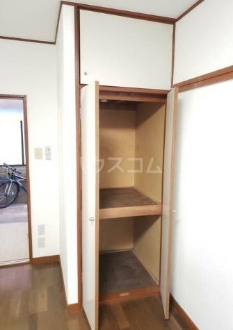 ヴィラ・クレール 102号室の収納