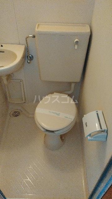 ヴィラ・クレール 201号室のトイレ