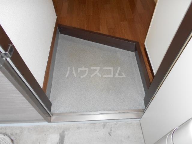 サンノーブル B110号室の玄関