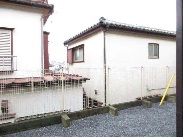ジョリエ新検見川 107号室の庭