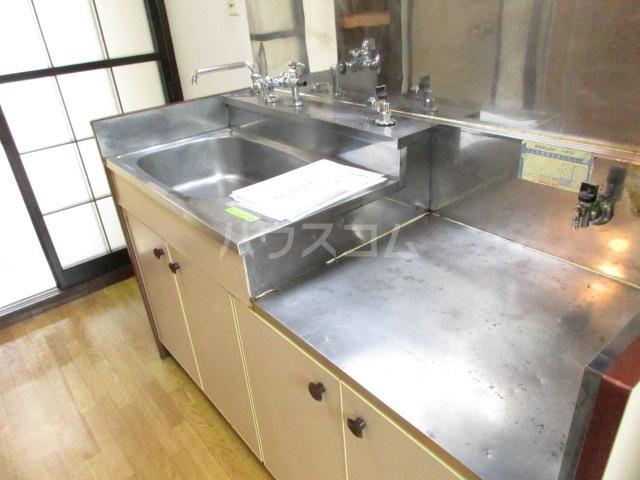 ジョリエ新検見川 107号室のキッチン
