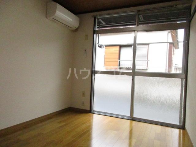 ジョリエ新検見川 107号室の居室
