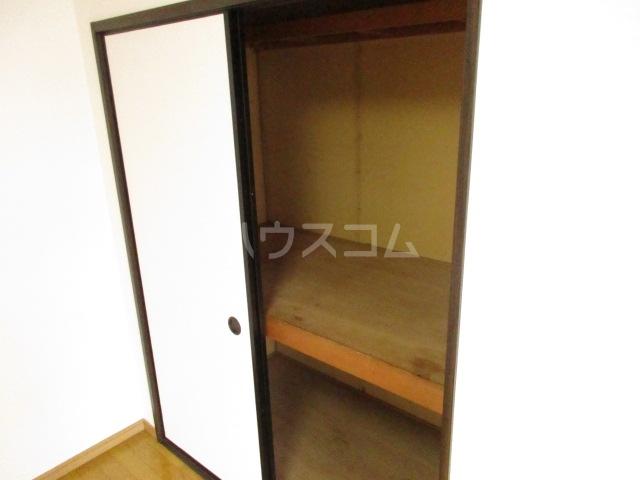 ジョリエ新検見川 107号室の収納