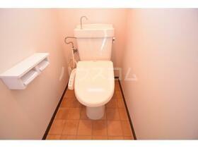 ガーデン山内5 402号室のトイレ