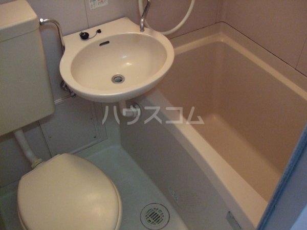 ホワイティⅠ 201号室の風呂