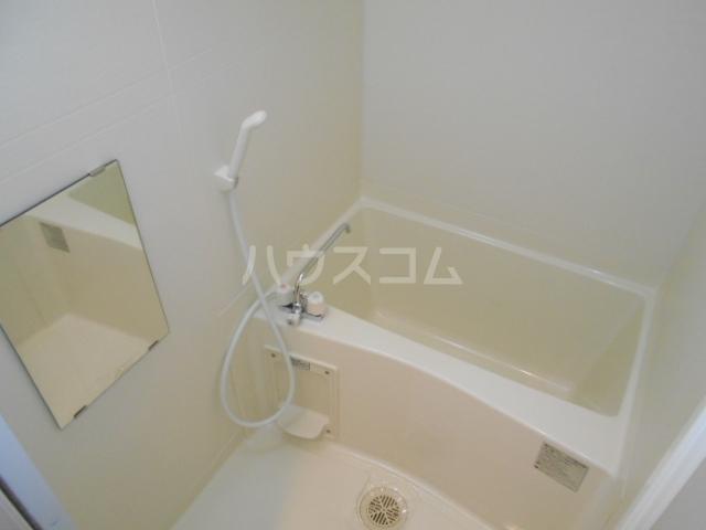 プラウランド小牧 1002号室の風呂