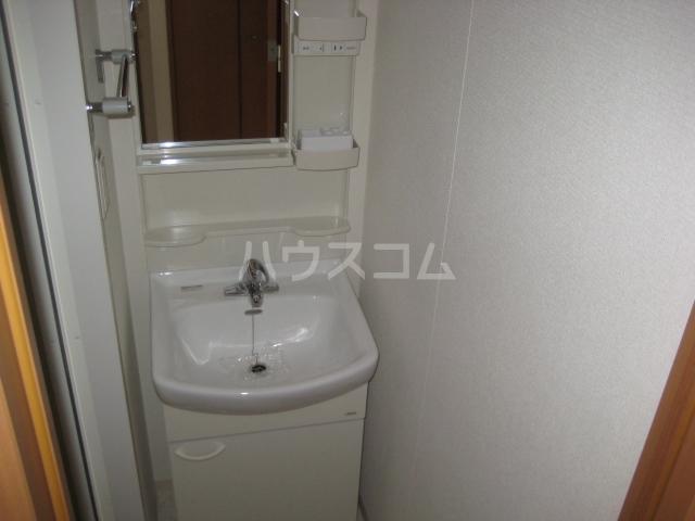 プラウランド小牧 1002号室の洗面所