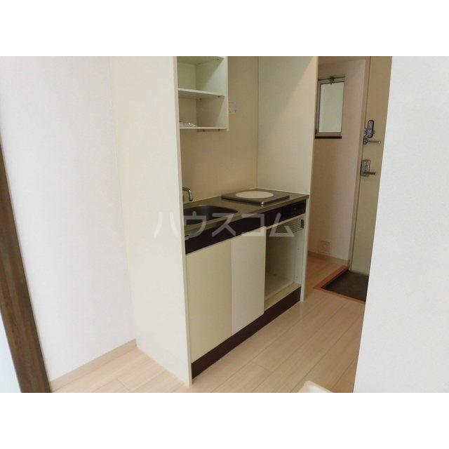 グランドパレスサネカタ B203号室のキッチン