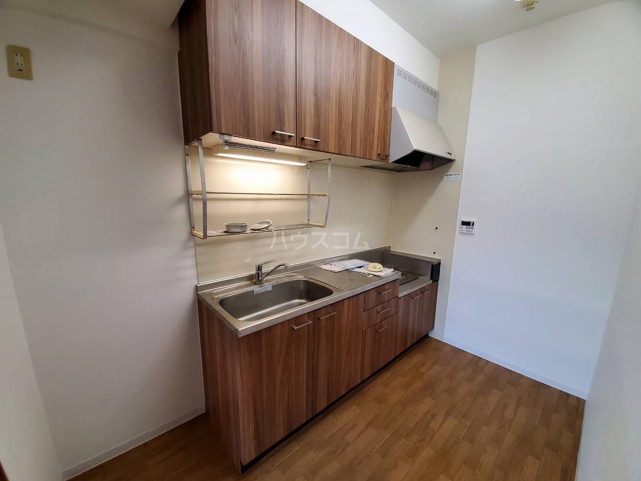 クレストサンライズ 101号室のキッチン