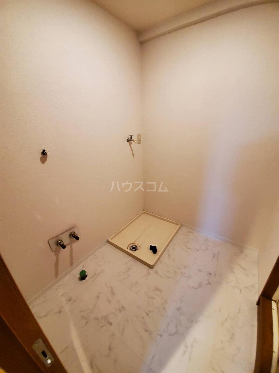 クレストサンライズ 101号室の洗面所