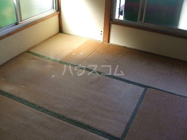 岩田荘 1号室の居室