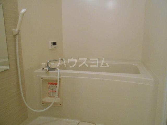フォレストリバー 203号室の風呂