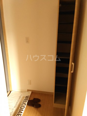 ランズ池袋 701号室の玄関
