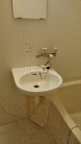 グレーコートむさしの 201号室の洗面所