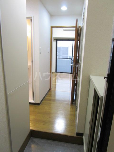リヴェールプラザ 305号室の玄関