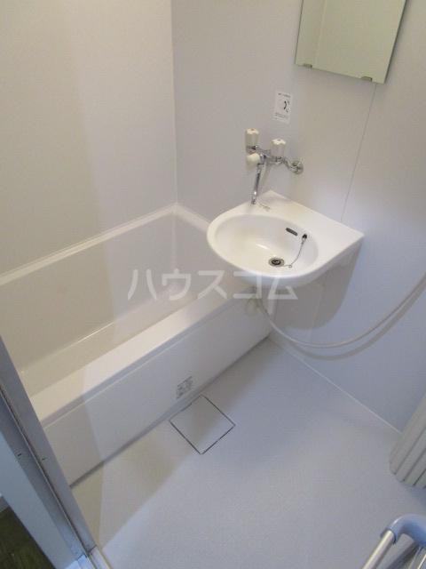 リヴェールプラザ 305号室の風呂
