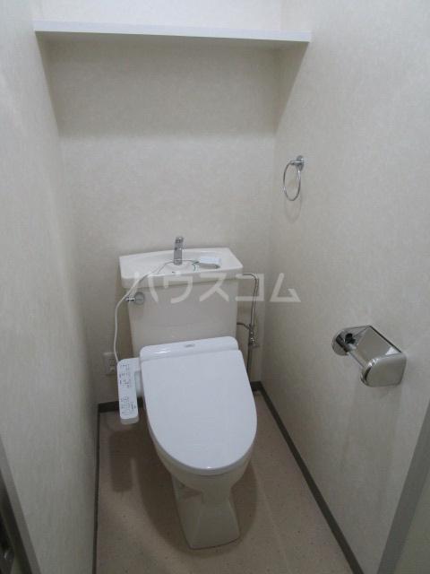 リヴェールプラザ 305号室のトイレ