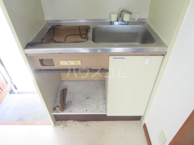ランド元町 101号室のキッチン