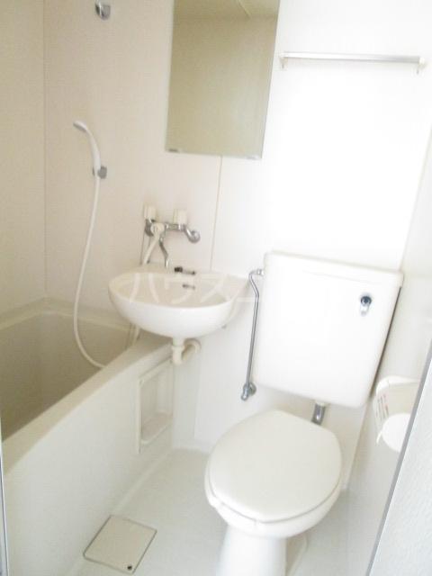 ランド元町 101号室の風呂