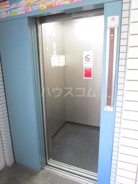 ウインベルソロ国分寺1 604号室の玄関
