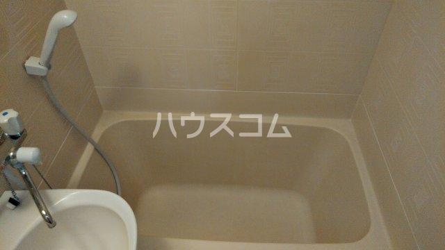フローラル フジ 2C号室の風呂