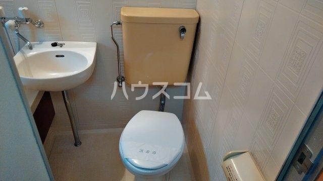 フローラル フジ 2C号室のトイレ
