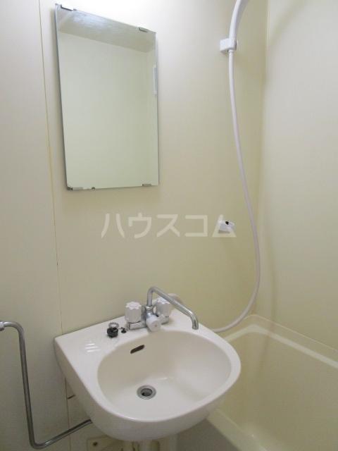 ラサ国分寺B館 105号室の洗面所