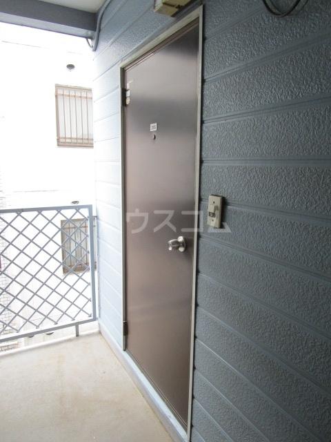ラサ国分寺B館 205号室の玄関