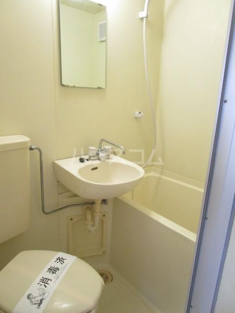 ラサ国分寺B館 205号室の風呂