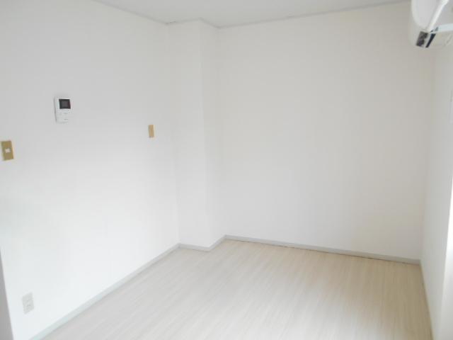 マンションカンナ 202号室の居室