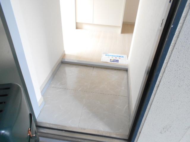 マンションカンナ 202号室の玄関