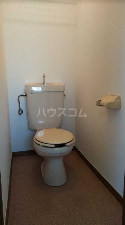 ドエール三上 101号室のトイレ