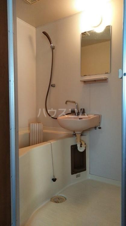 ドエール三上 101号室の風呂