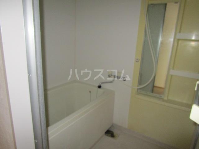 ファンツアール 201号室の風呂